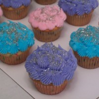 Cupcakes with silver sprinkles!!