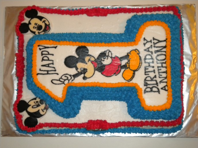 3D Mickey Mouse 1st birthday cake
